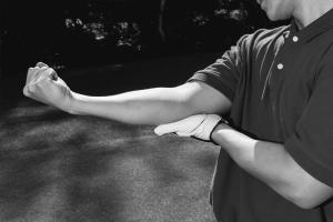 Golf pain elbow