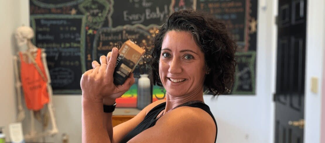 Jennifer Dixon and the Charlotte's Web Hemp Extract Liquid Capsules