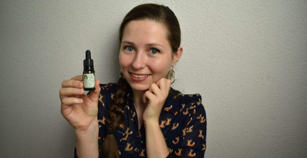 Natalia with the Sensi Seeds 275 mg CBD Oil