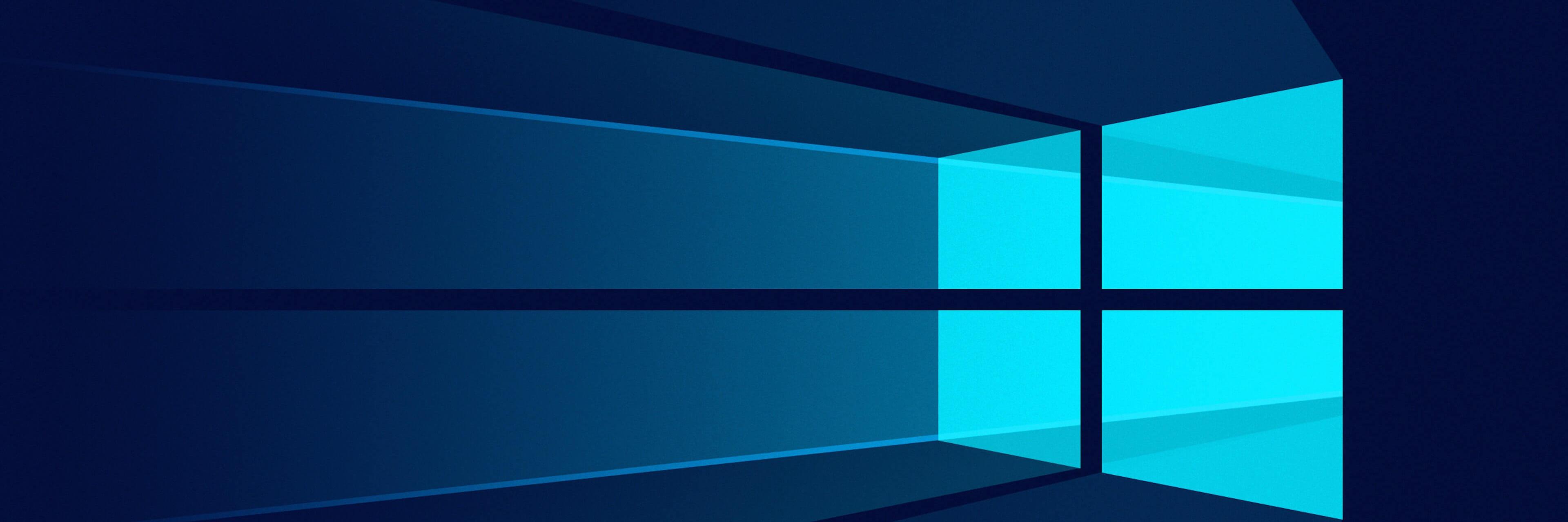 Clouds Windows 10 VM banner