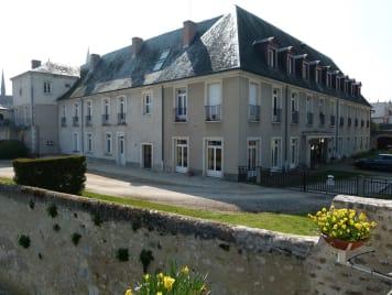 EHPAD Centre de Soins André Gibotteau - Photo 0