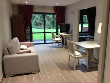 Repotel Marcoussis Residence Services - Photo 0