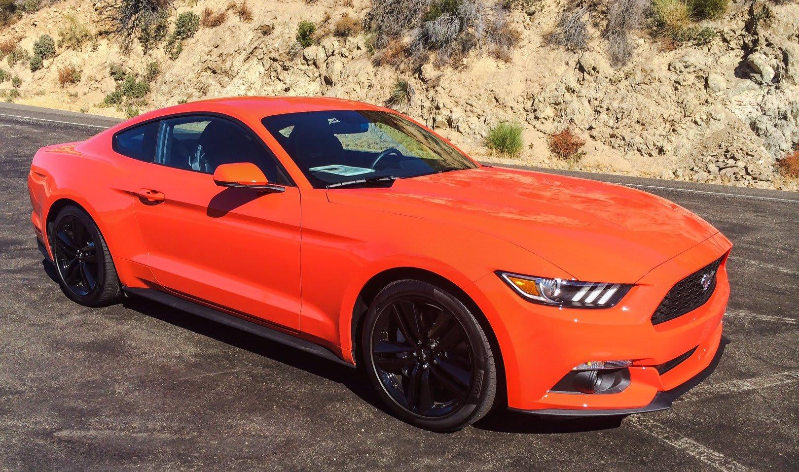 Ford Mustang side quarter1