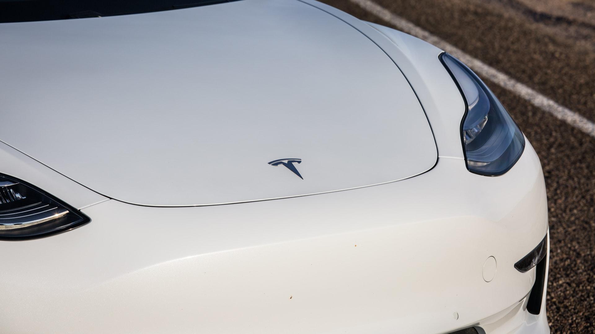 Tesla Model 3 38