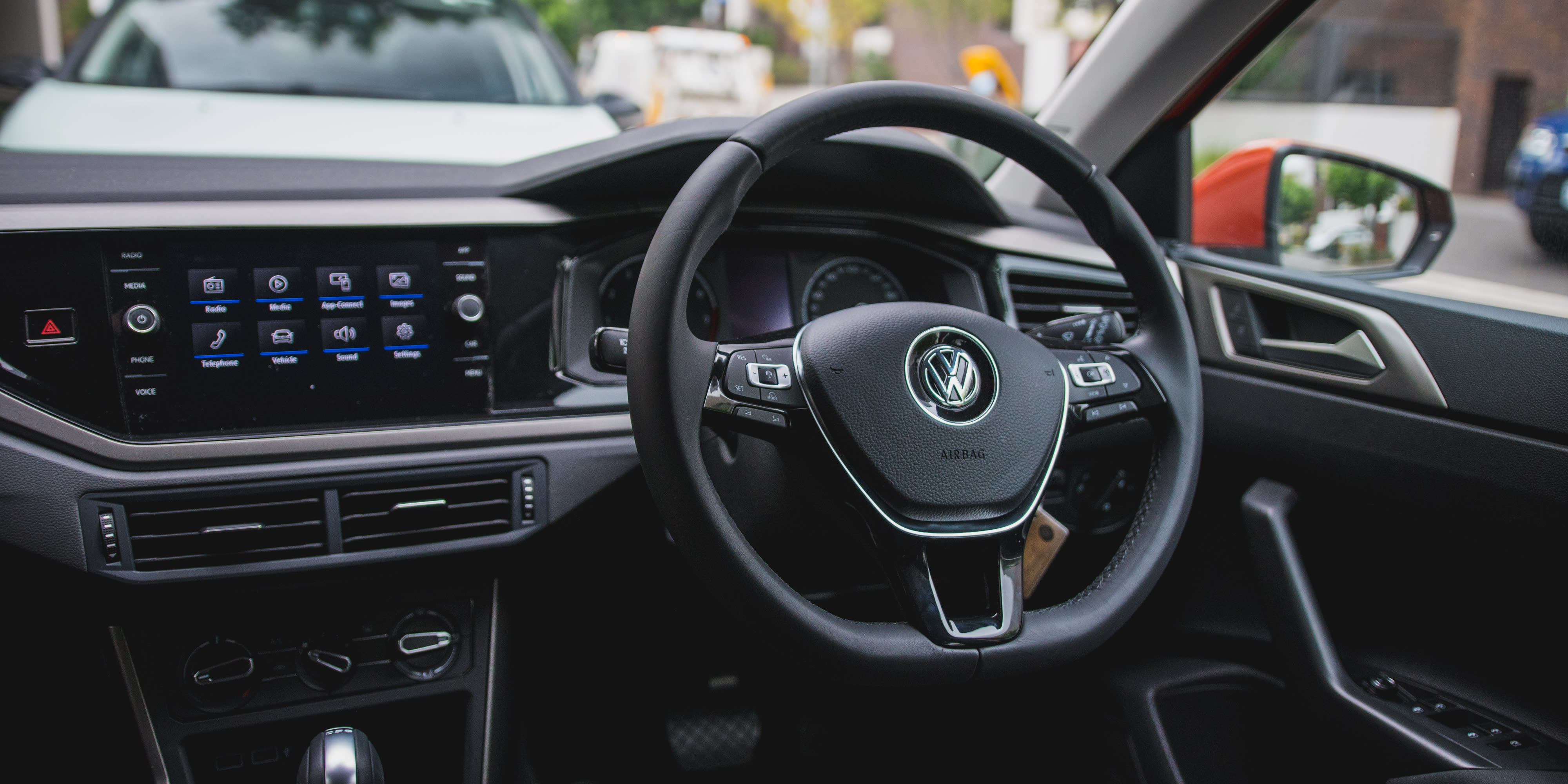 2018 volkswagen polo launch edition review 60