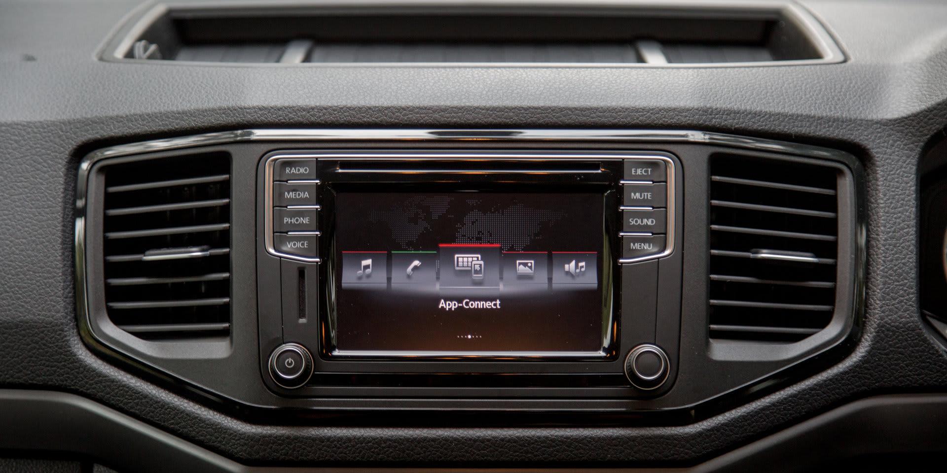 2017 Volkswagen Amarok Core ute 94