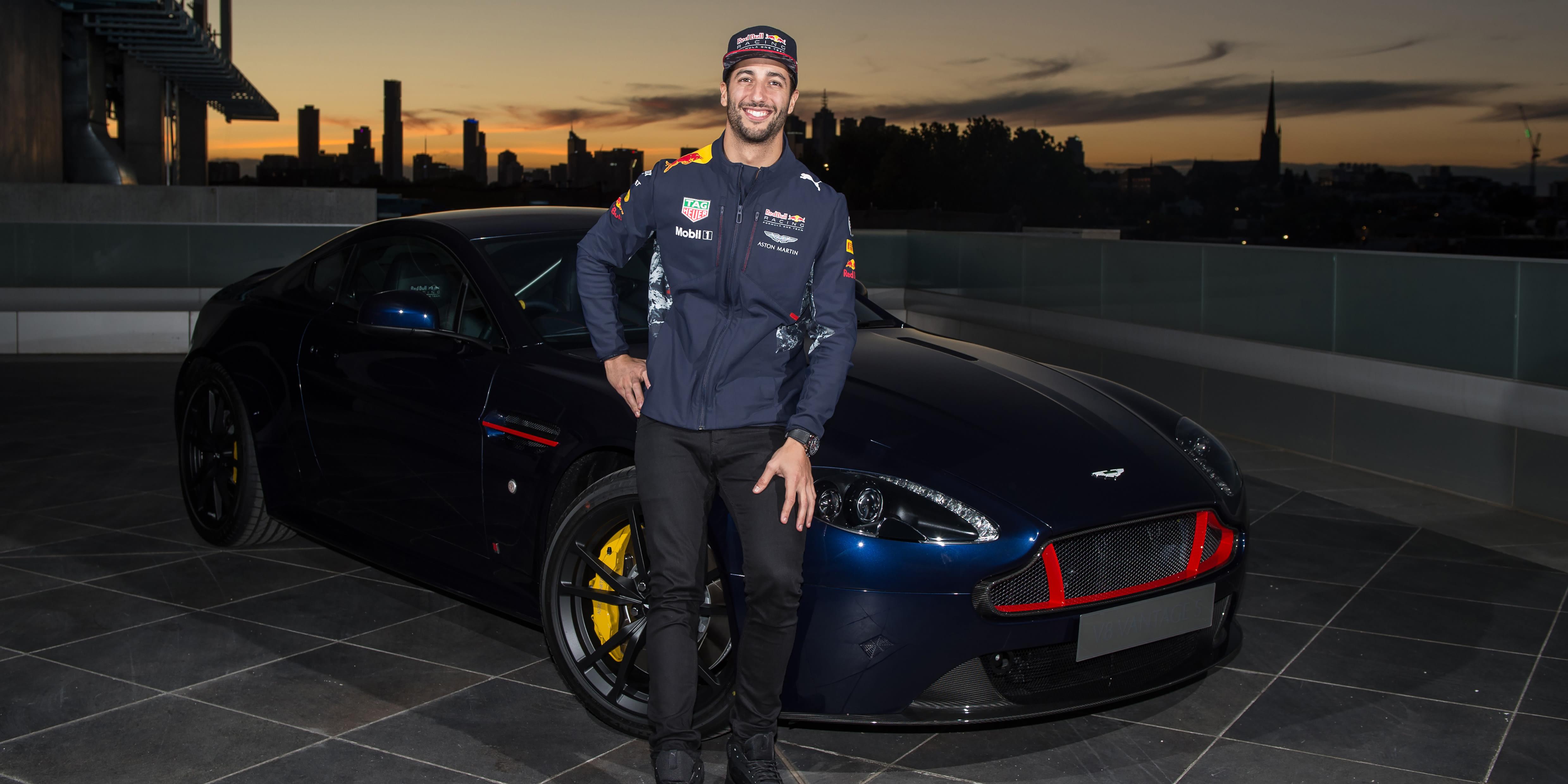 17 Daniel Ricciardo Aston Martin V8 Vantage S Red Bull Racing Edition 003