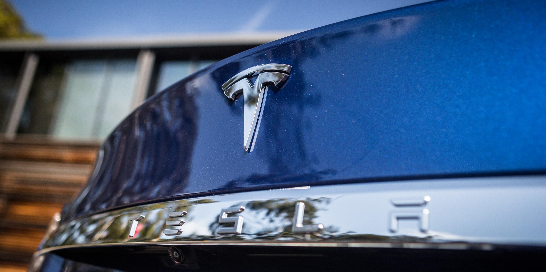 2016 Tesla Model S 75d 23
