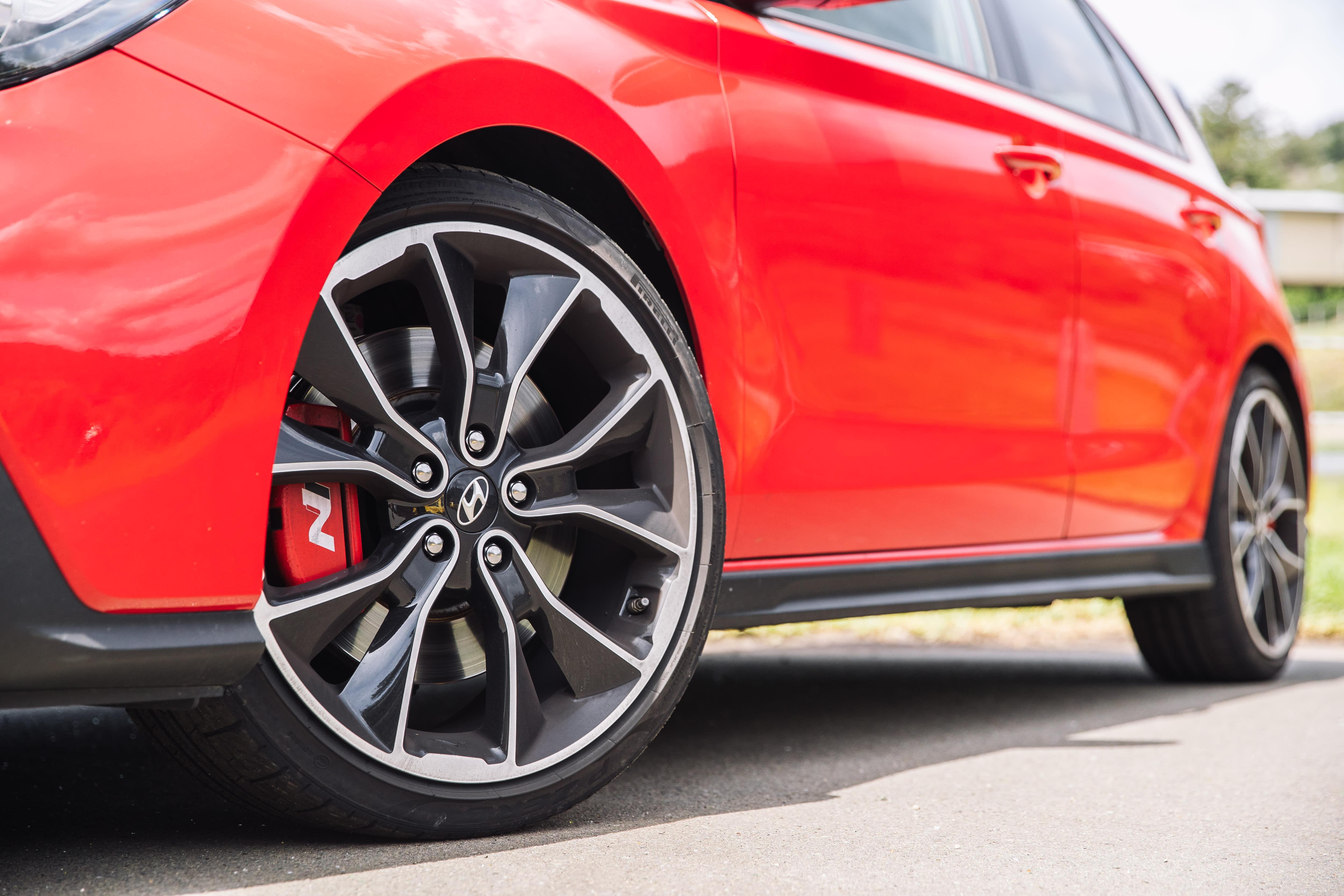 2019 Hot Hatch 3 way Hyundai i30 N Luxury pack v Renault Megane RS Sport EDC v Volkswagen Golf GTI MY19 180kW IMG SamVenn 87