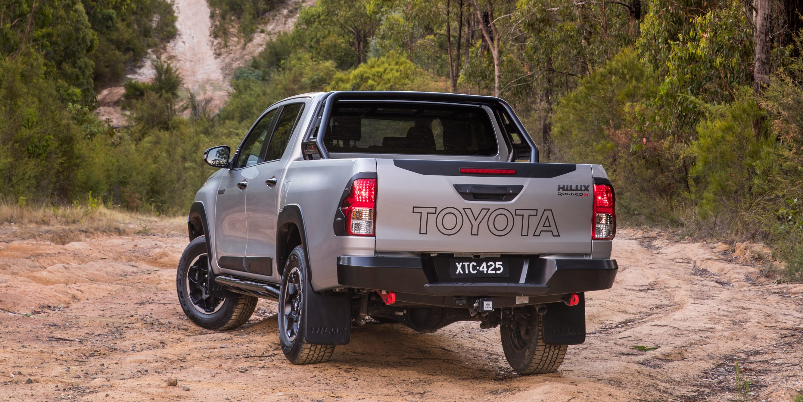 toyota hilux rogue rugged x 10