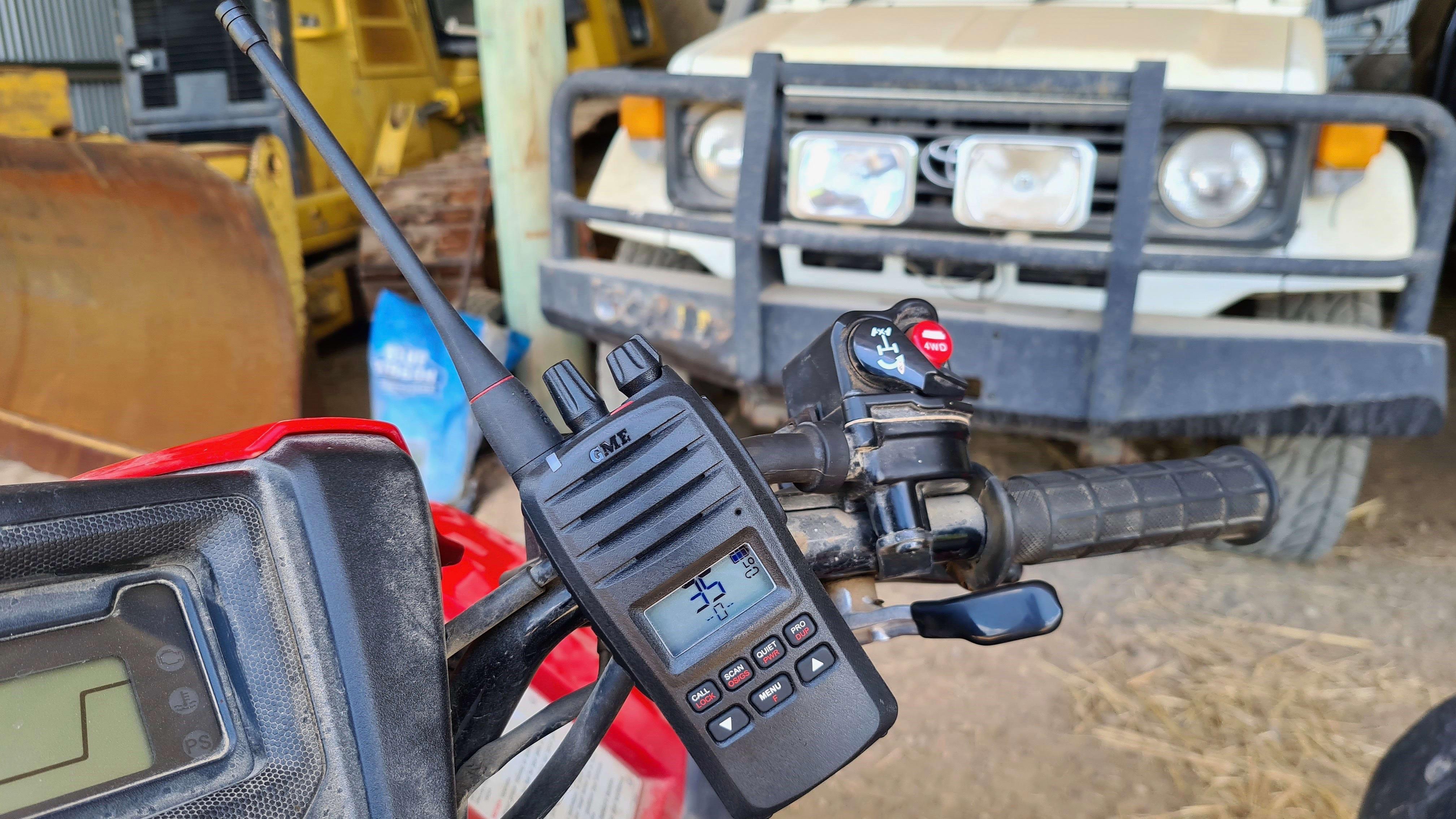 GME 5W handheld UHF radio