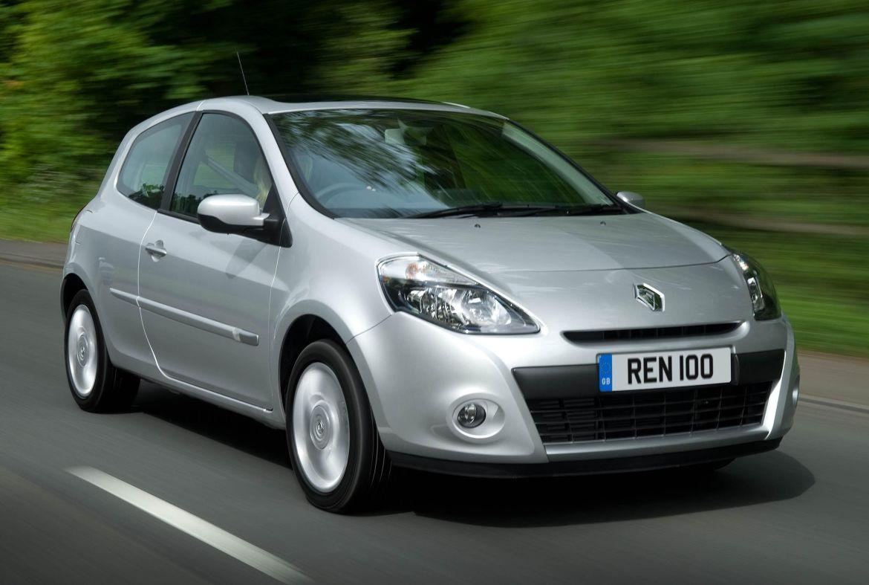 Silver Renault Clio