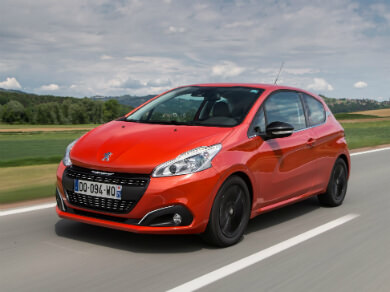Peugeot 208 in red