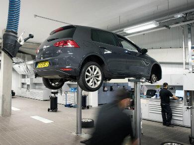 Volkswagen Golf in grey