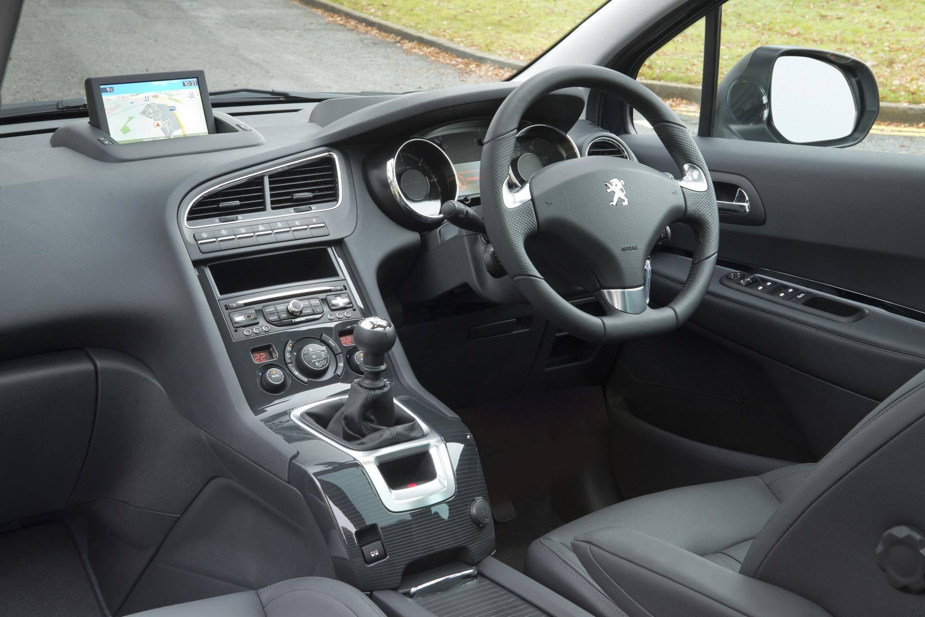 image of a peugeot 5008 car interior