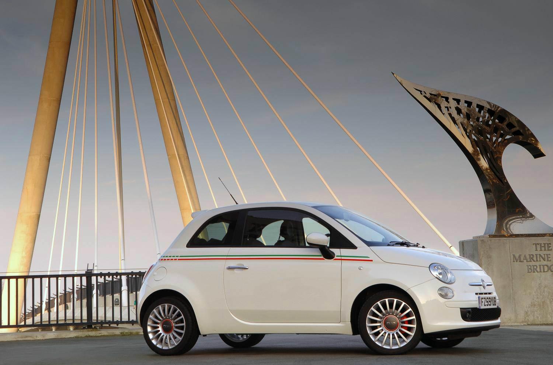 image of fiat 500 car exterior