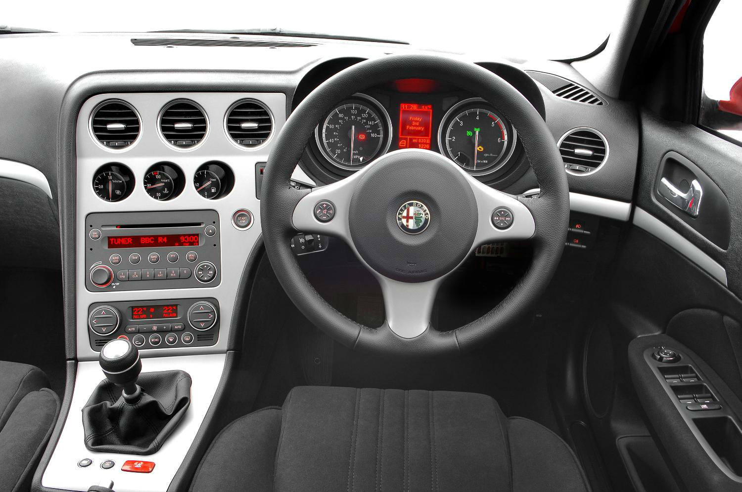 image of a alfa romeo 159 car interior