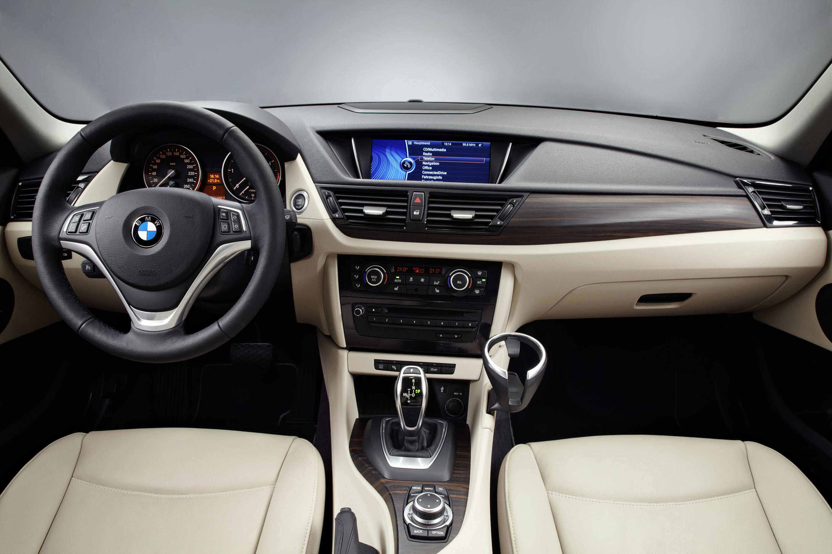 blog/205/BMW X1 interior
