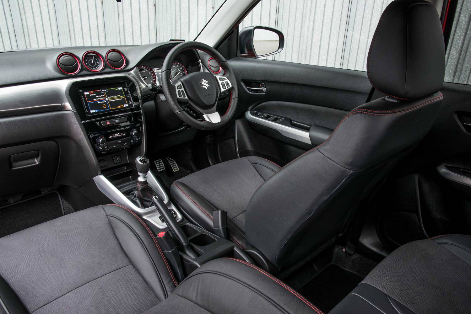 blog/205/Suzuki Vitara interior
