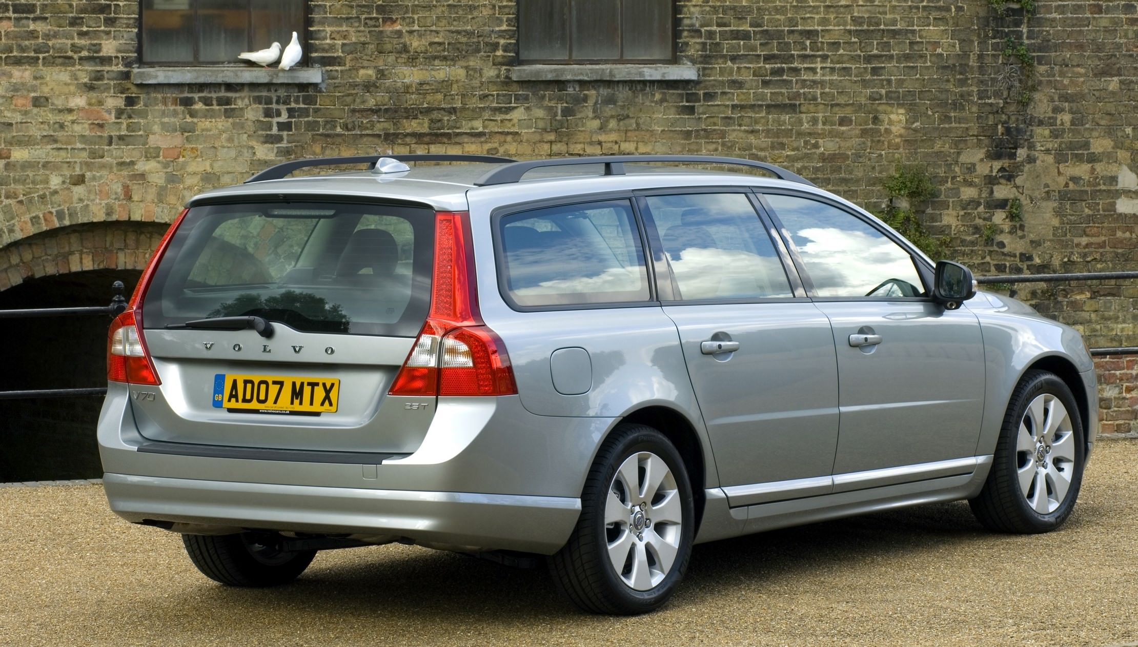 image of a silver volvo v70 estate car exterior