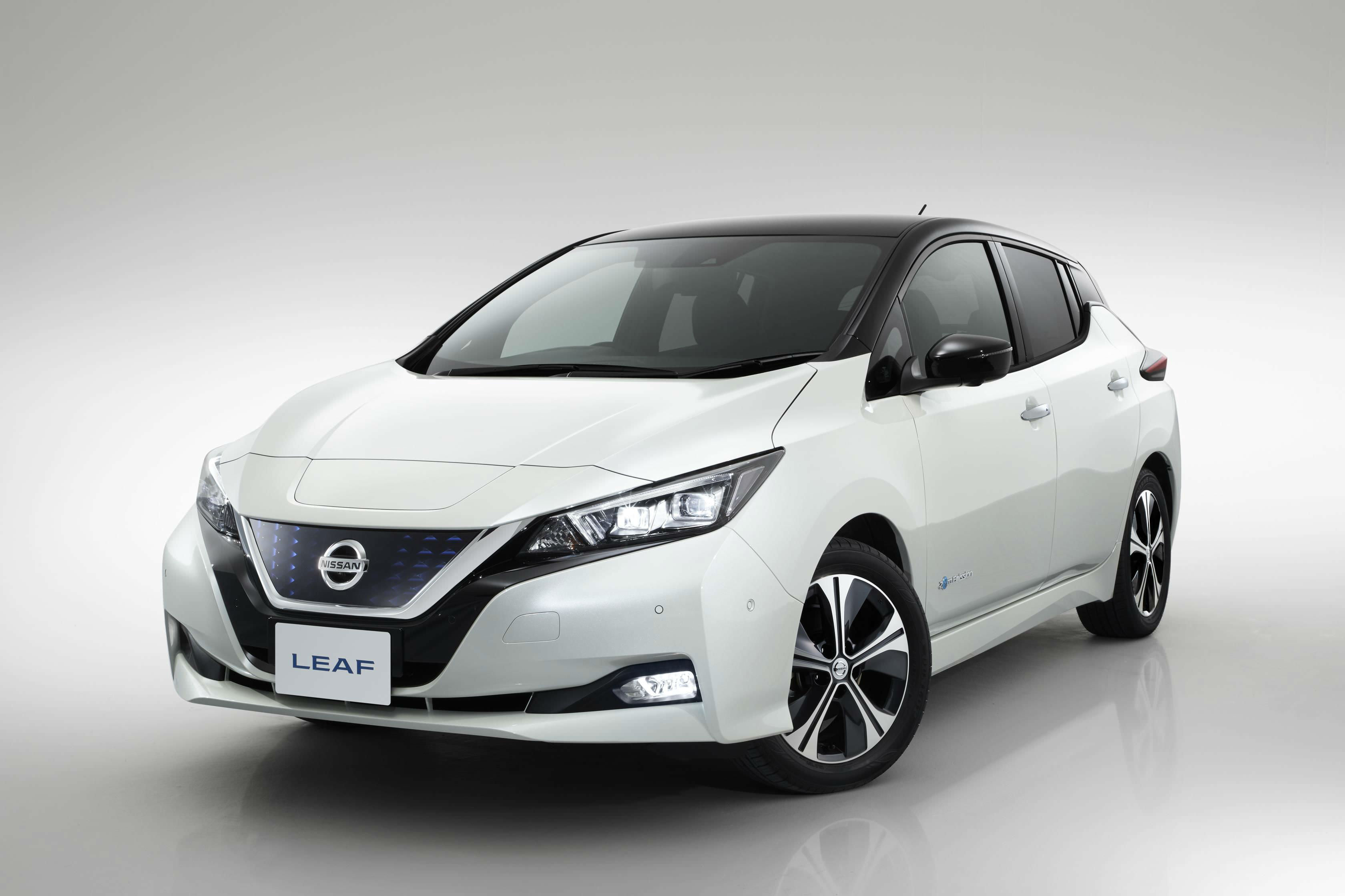 image of an white nissan leaf concept car at frankfurt motor show 2017