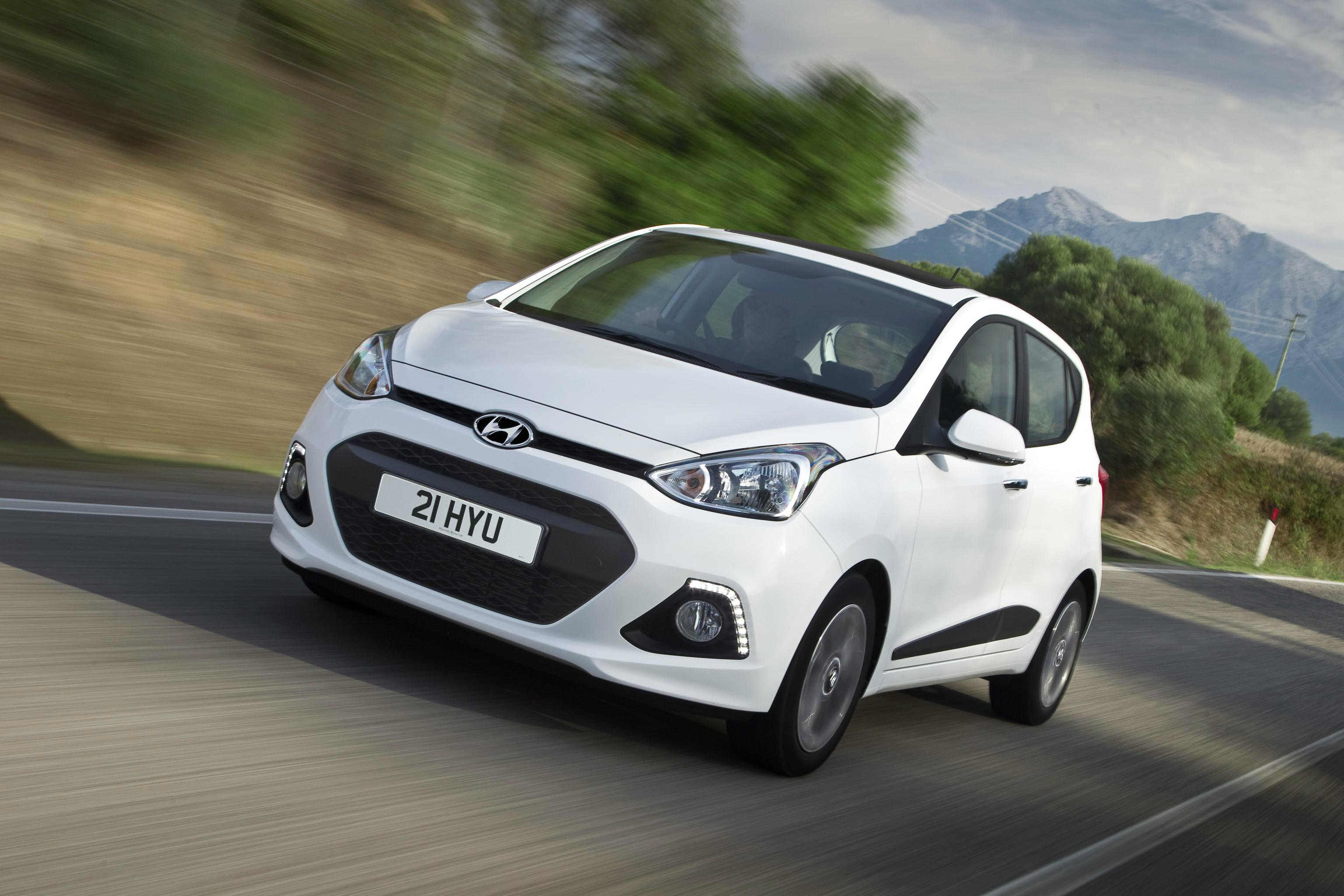 image of a white hyundai i10 car exterior