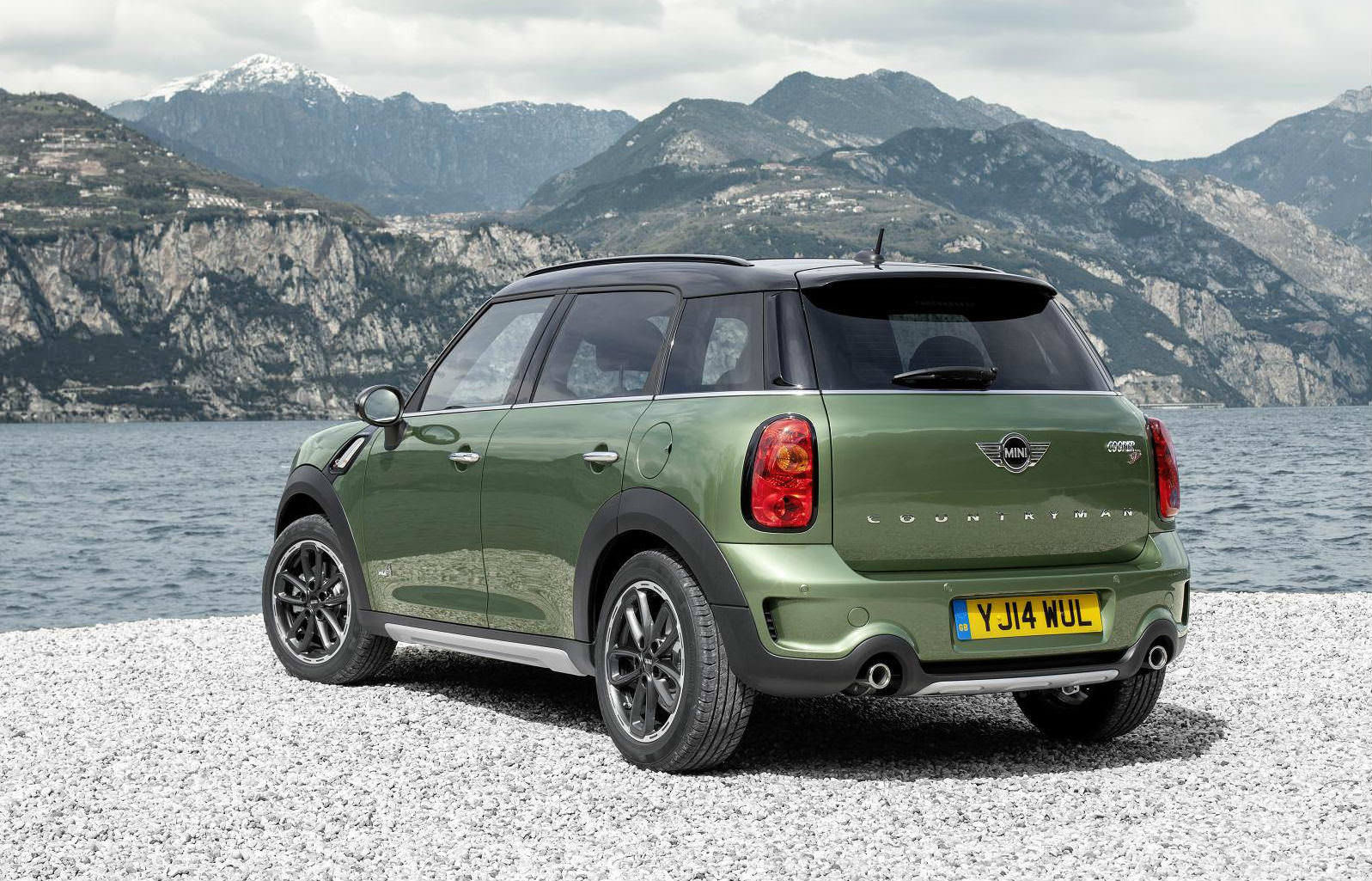 image of a green mini countryman all4 car exterior
