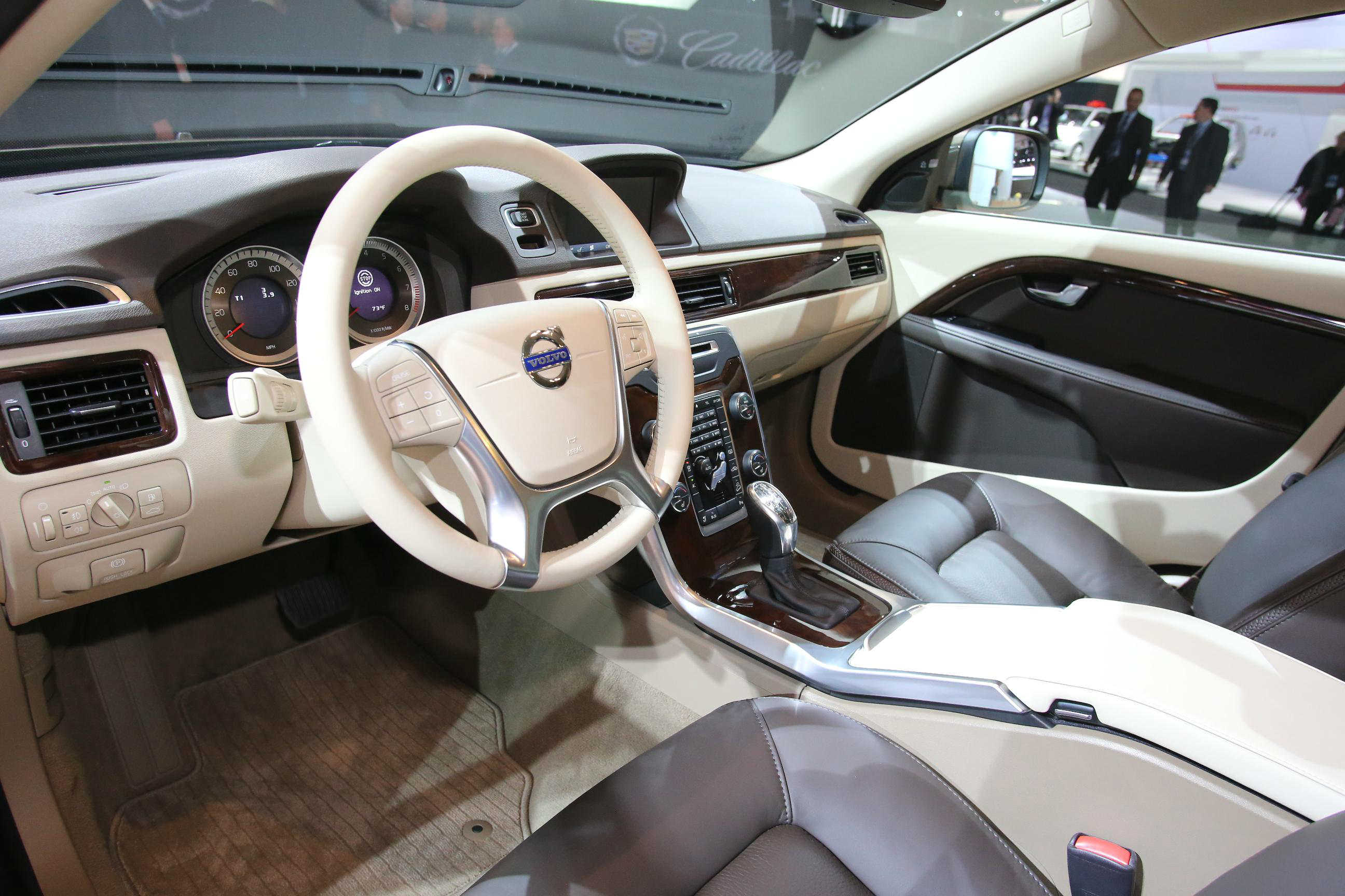 image of a volvo xc70 car interior