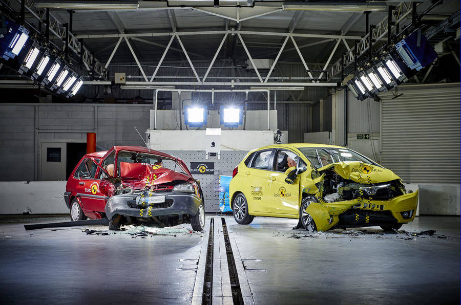 image of a rover 100 in a euro ncap crash test