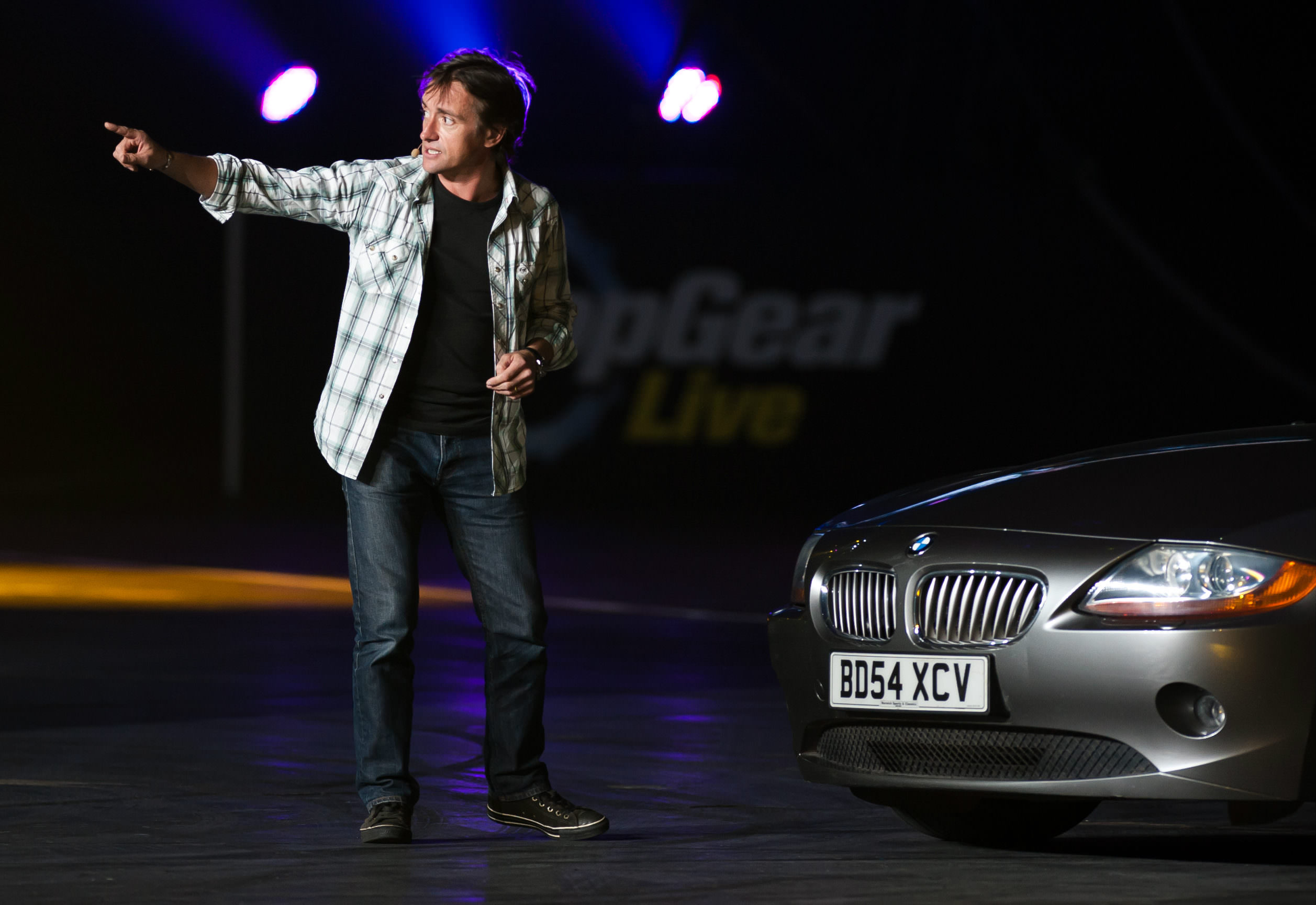 image of richard hammond alongside a bmw z4 car