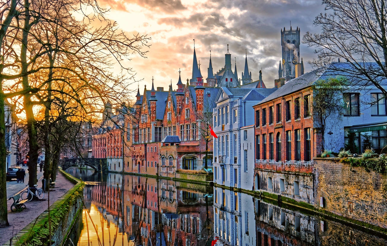 image of a town centre in bruges