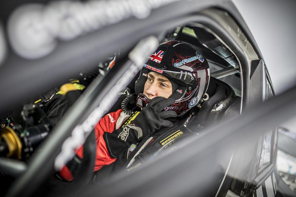 Chris Ingram preparing to race