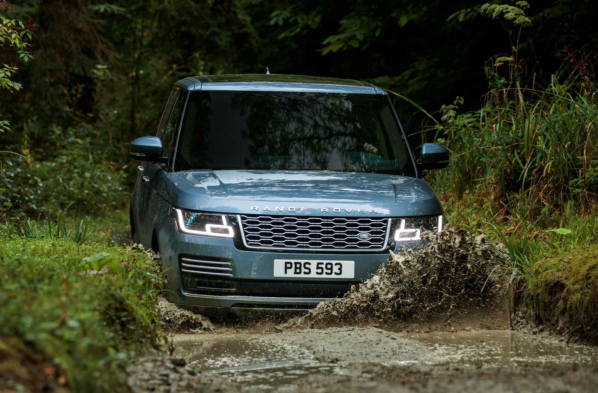 blog/353/Gary Cahill drives a Land Rover Range Rover