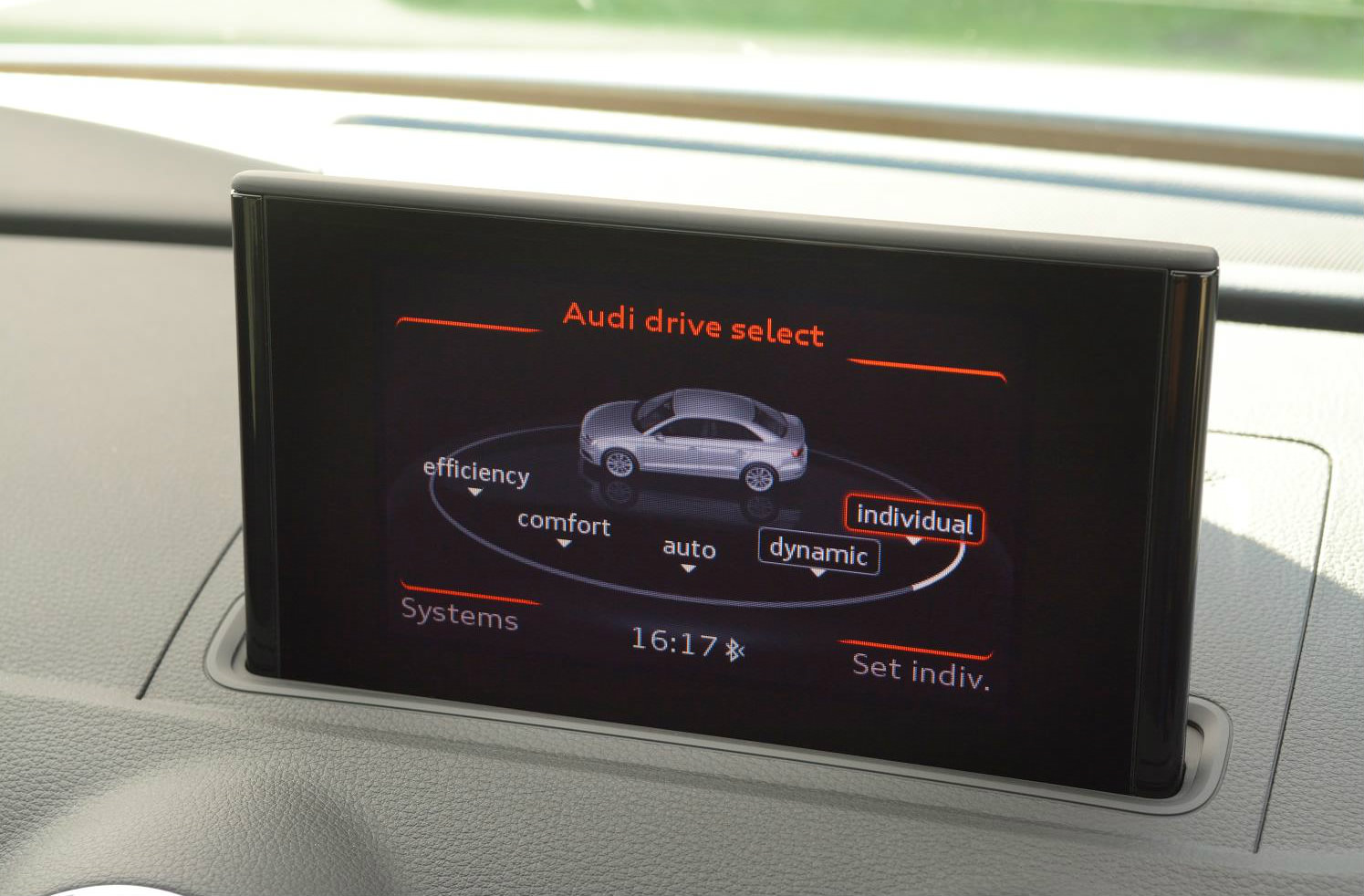 image of an audi a3 display screen for drive select system