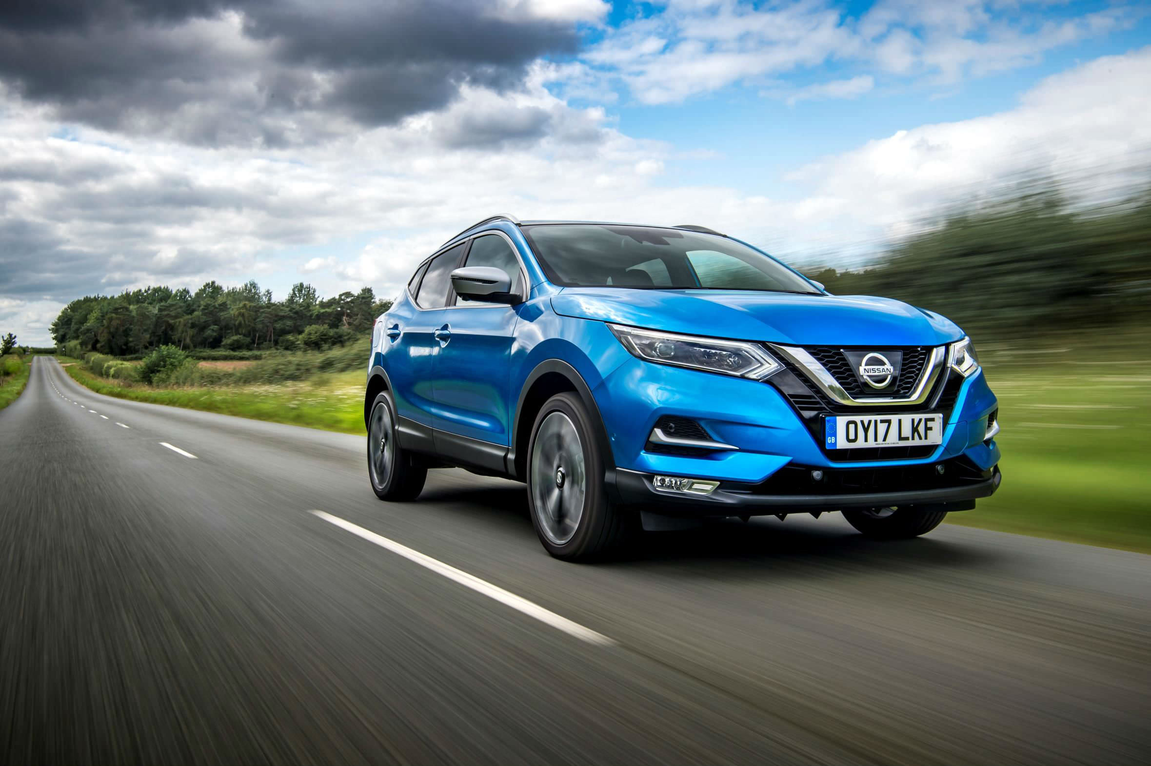 Guide to used SUVs with panoramic sunroof - Blue Nissan Qashqai