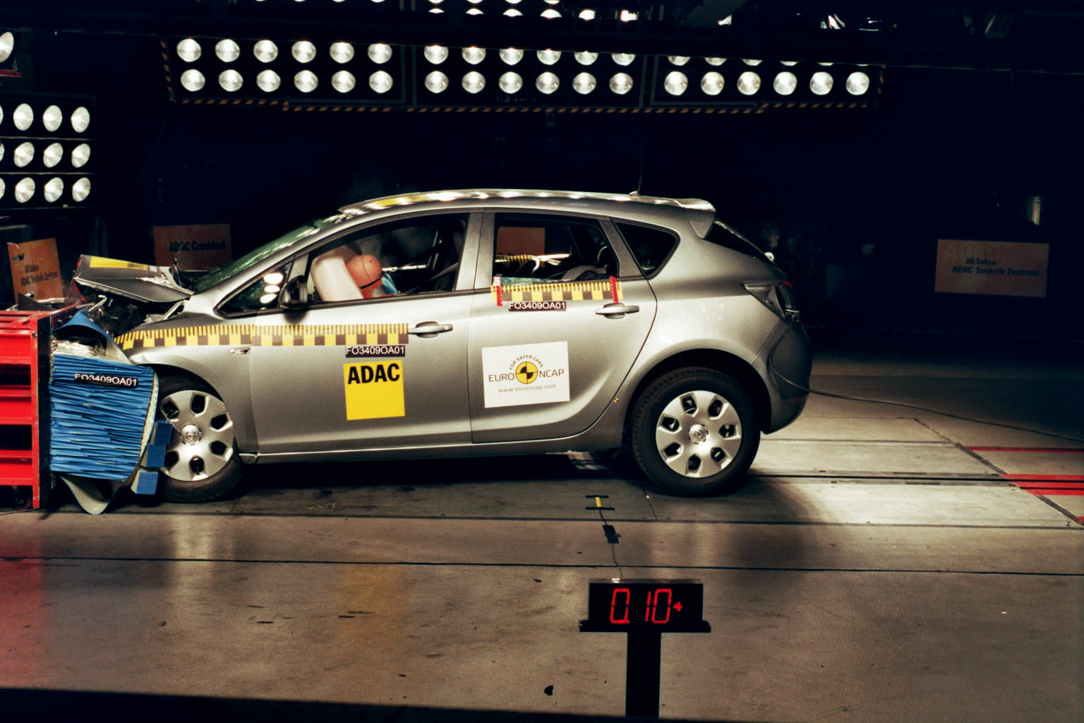 Vauxhall Astra receives five star safety rating