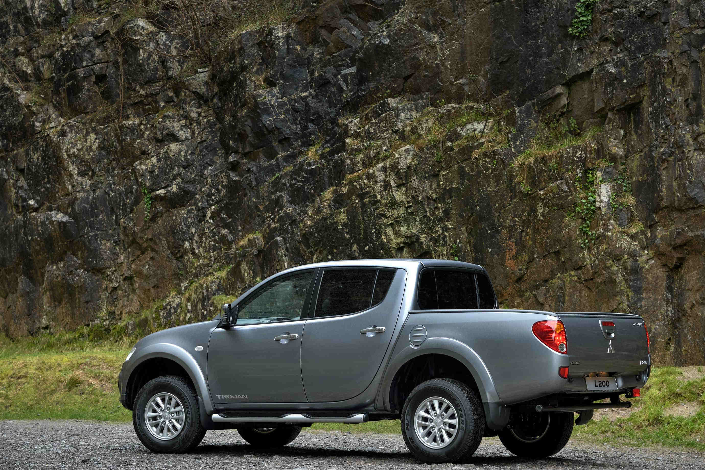 L200 pickup truck buyers guide