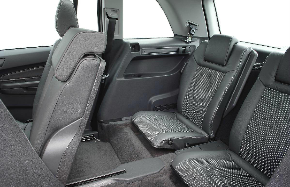 used car buying guide Vauxhall Zafira B back seat space