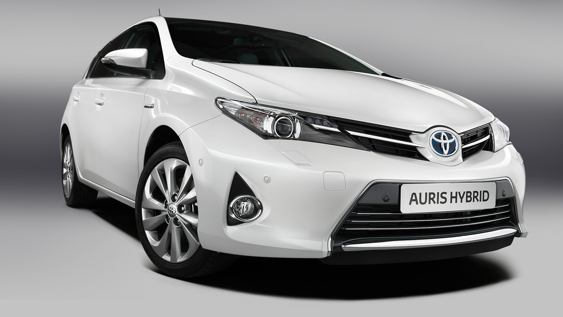 One of the best used family cars for £600 - Toyota Auris