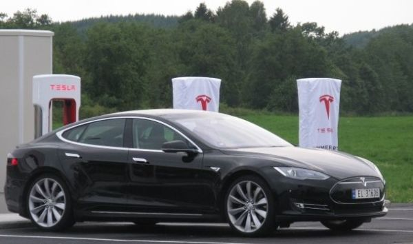 Tesla aims for range-spanning self-driving capabilities