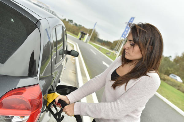 Top five ways for drivers to improve their car's fuel economy