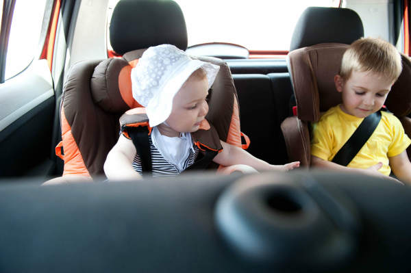 How to keep children happy on a long car journey