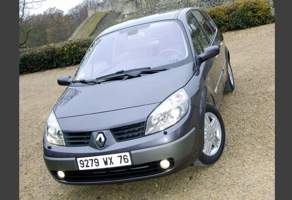 Häufig Used Renault Scenic review: 2001-2005 | CarsGuide AJ45