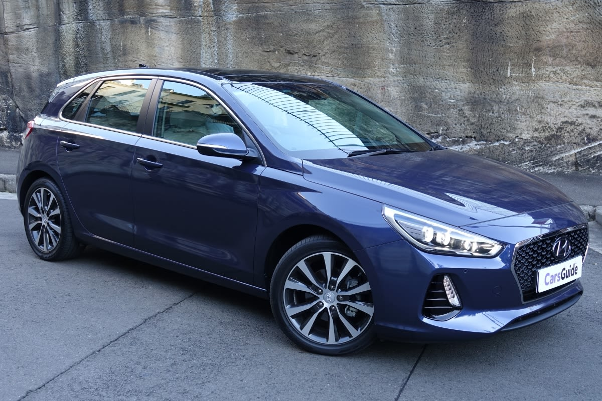 Pick Up Hyundai 2017 >> Hyundai i30 Premium 2017 review: snapshot | CarsGuide