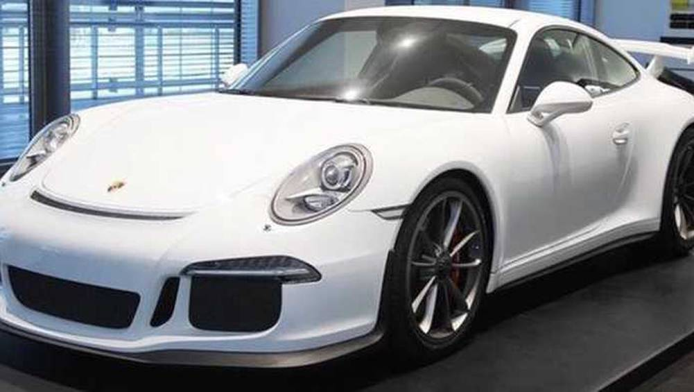 Ever wanted to buy an entire 911 GT3 racing team at a discount
