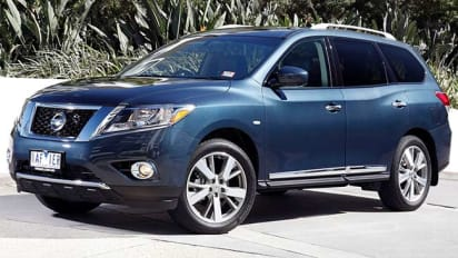 Nissan Pathfinder ST L 2014 Review