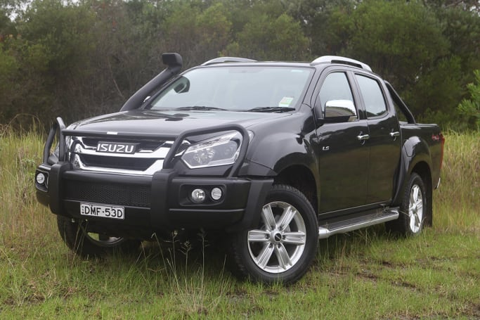 isuzu d max ls t 2017 review carsguide. Black Bedroom Furniture Sets. Home Design Ideas