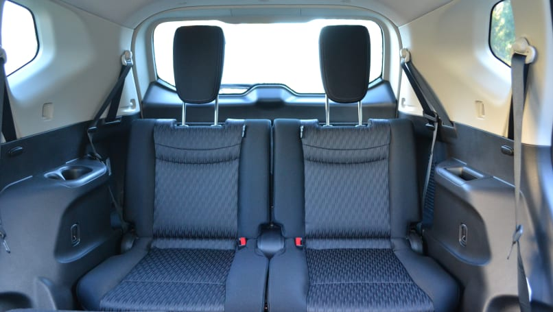 Nissan X-Trail ST 2WD 7 seat 2017 review   CarsGuide