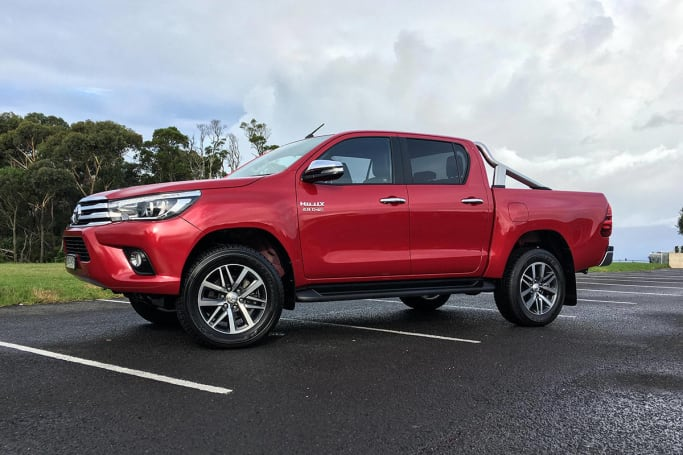 Beautiful Toyota HiLux SR5 Dual Cab 4x4 Diesel Manual 2017 Review