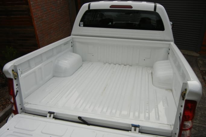 The ride in the Foton Tunland is too firm when empty or lightly loaded. (image credit: Mark Oastler)